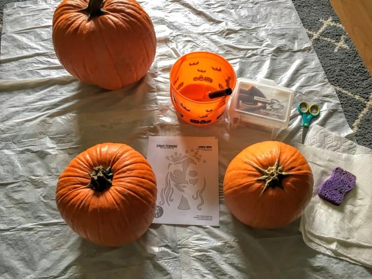 pumpkin-carving-2016-02