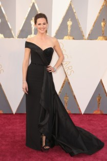 Jennifer Garner vestindo Atelier Versace.