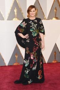 Amy Poehler, vestido por Andrew GN, sapatos Brian Atwood.