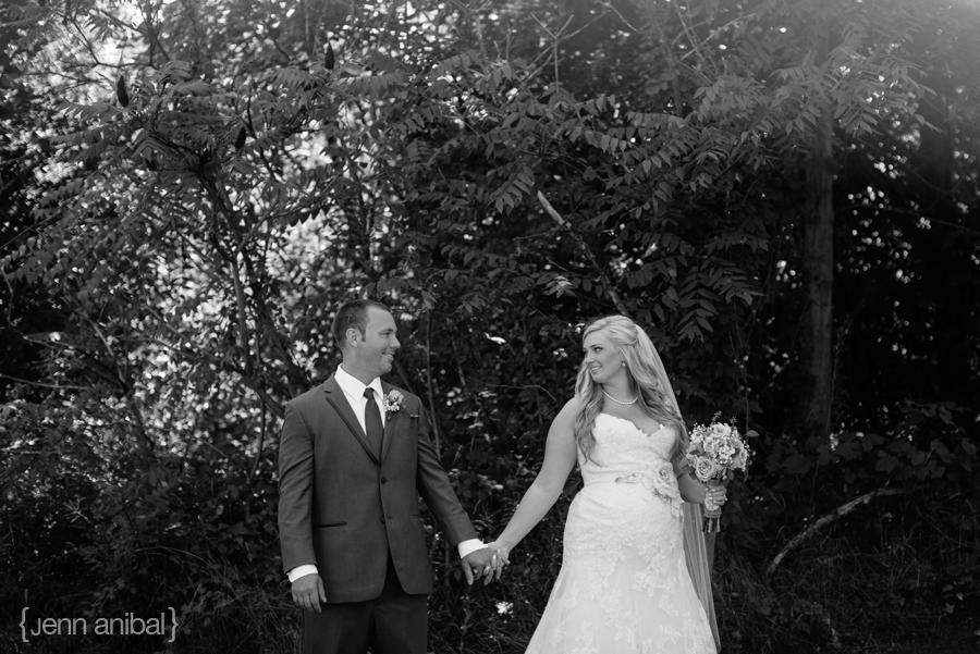 Michigan-Barn-Wedding-1051