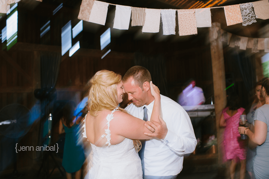 Michigan-Barn-Wedding-1126