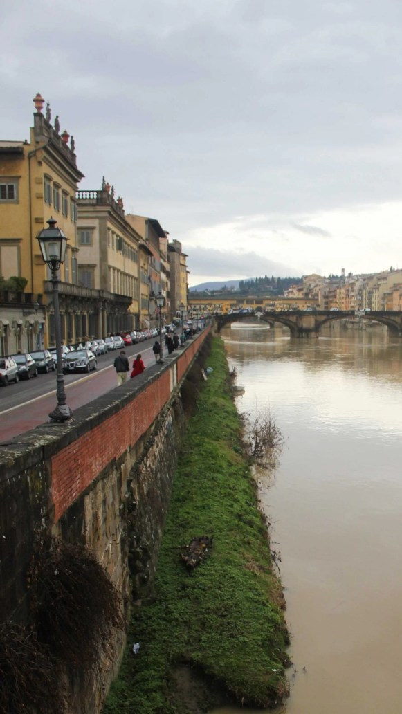 Florence-river-and-bridge