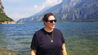 lesbian travel blogger