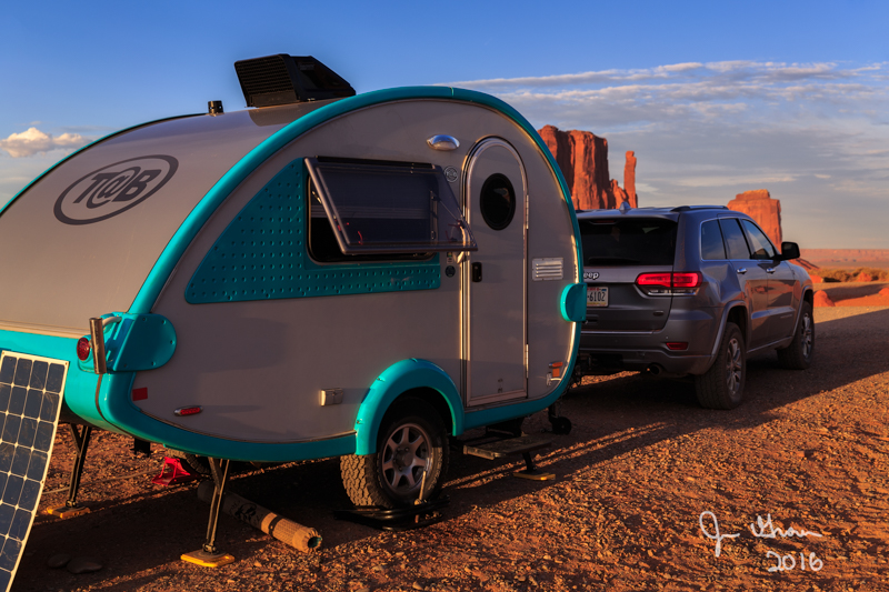 Camping at Monumnet Valley