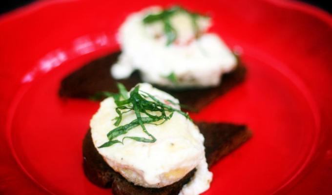 Simple Baked Quail Eggs