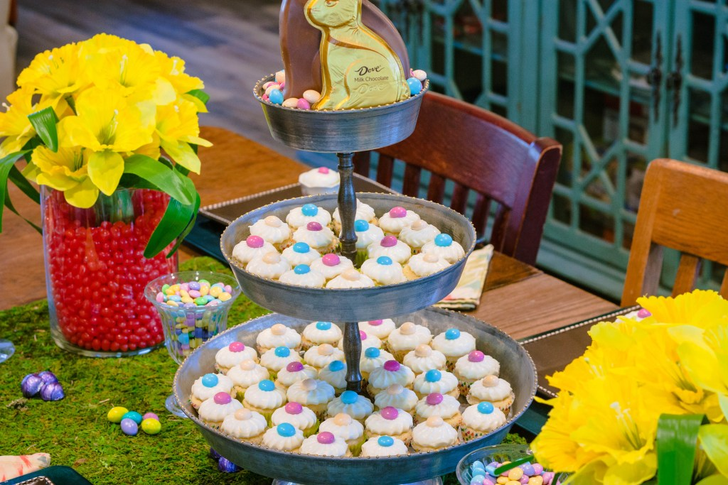 m&ms-easter-sundae-lemon-mini-muffins-recipe-17