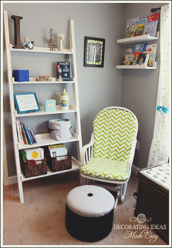 Accessorizing a kids bookshelf