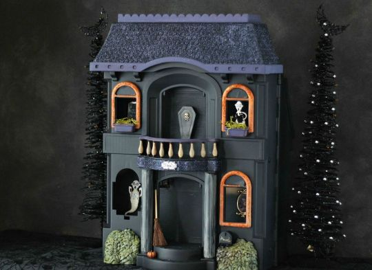 Cheap Halloween Decorations from Jennifer Decorates.com