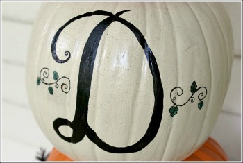 DIY Fall Pumpkin topiary from Jenniferdecorates.com