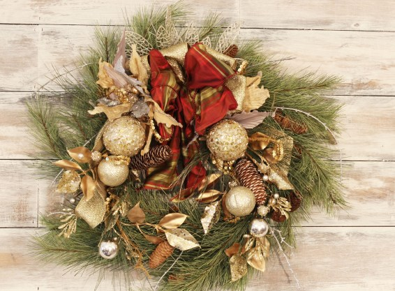 Learn to make a Christmas Wreath - EASY!