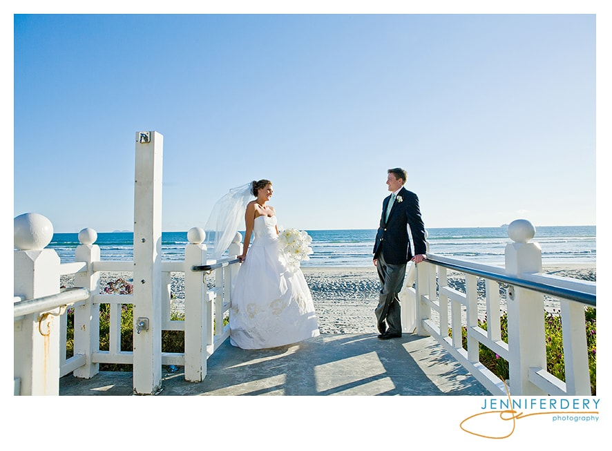 wedding photos at the hotel del coronado