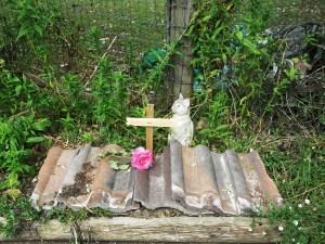 Missy's Grave 002