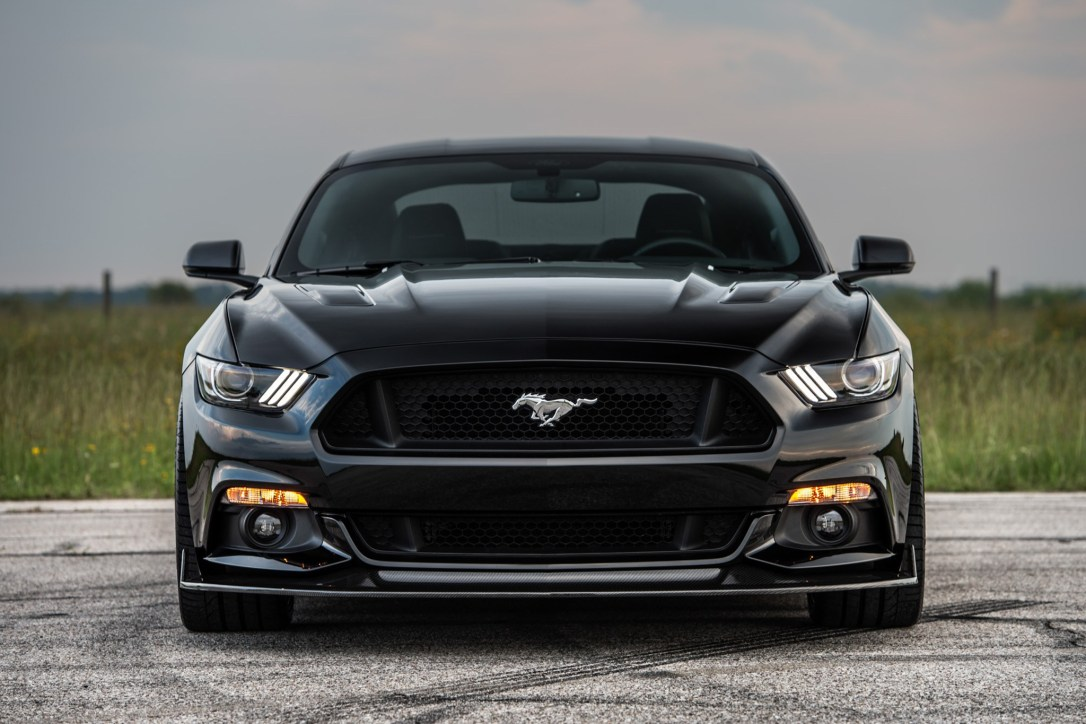 2016-Ford-Mustang-Hennessey-HPE800-25th-Anniversary-front-end