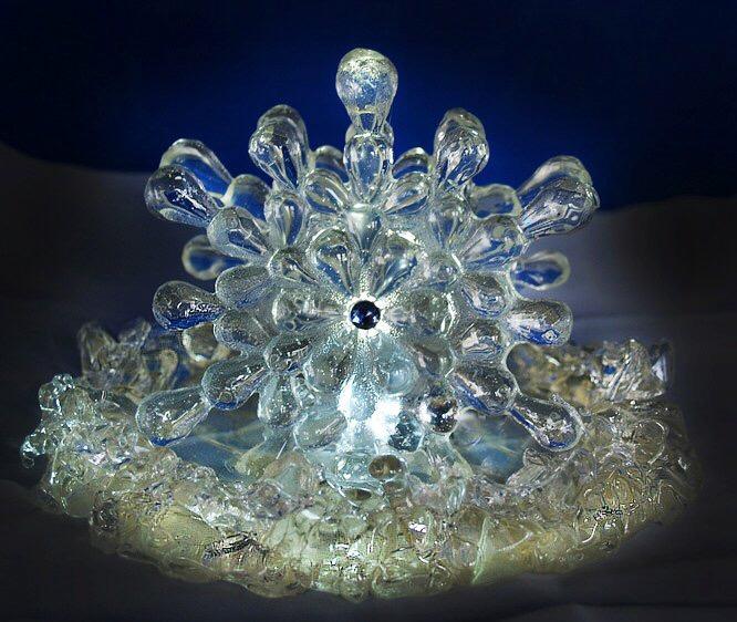Trish crystal cake top