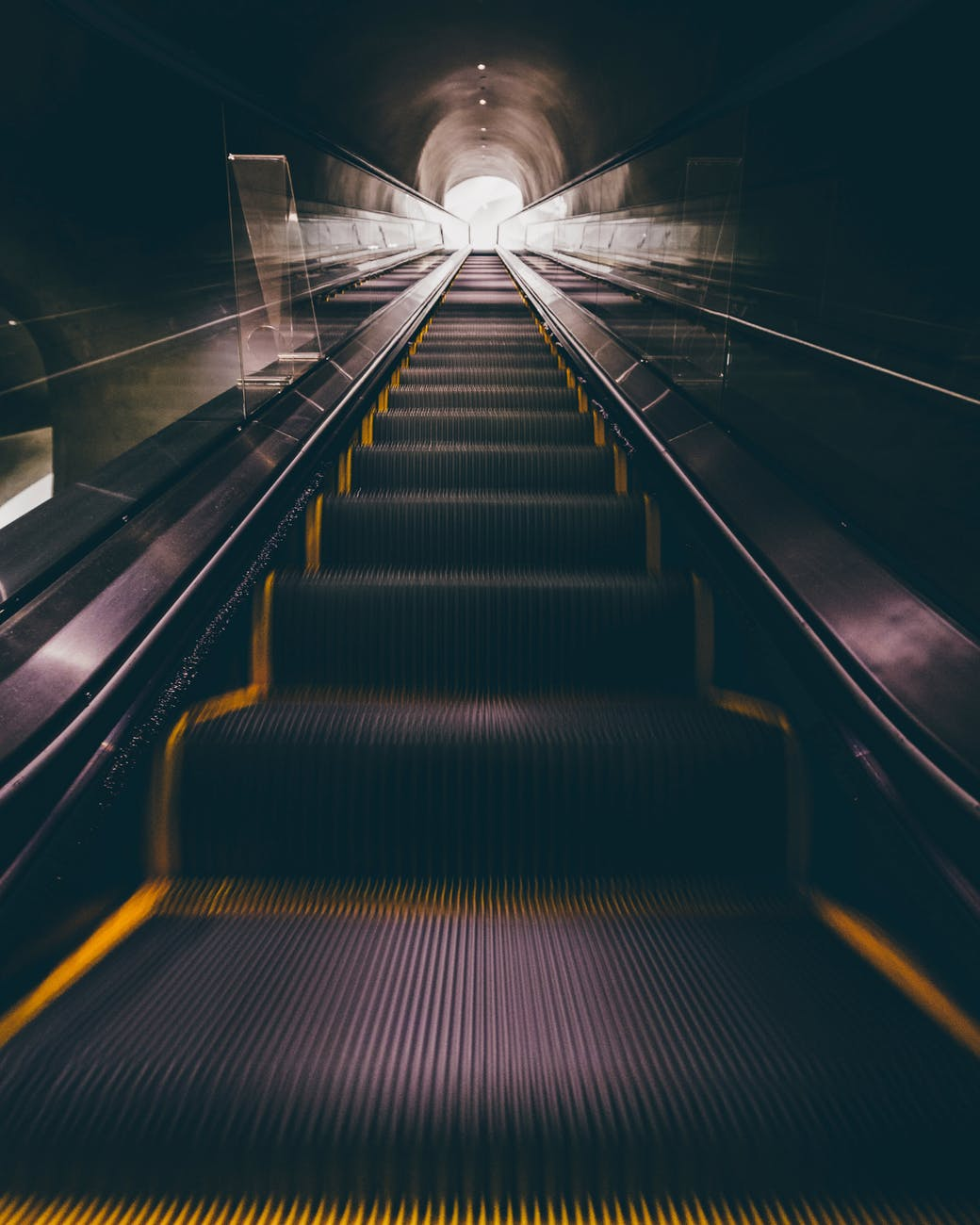 blur carry dark escalator