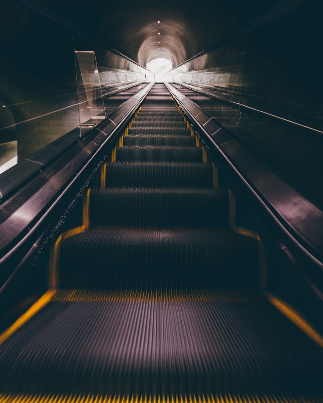 blur carry dark escalator