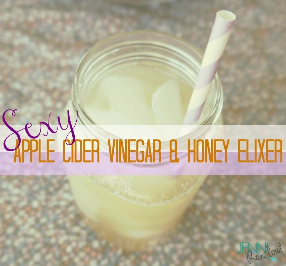 Apple cider vinegar and honey detox drink