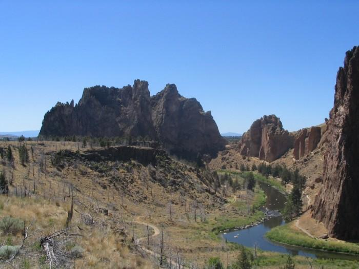 Mountains Located in Smith Rock, Oregon