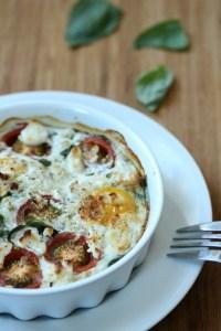Eieren met tomaat en geitenkaas
