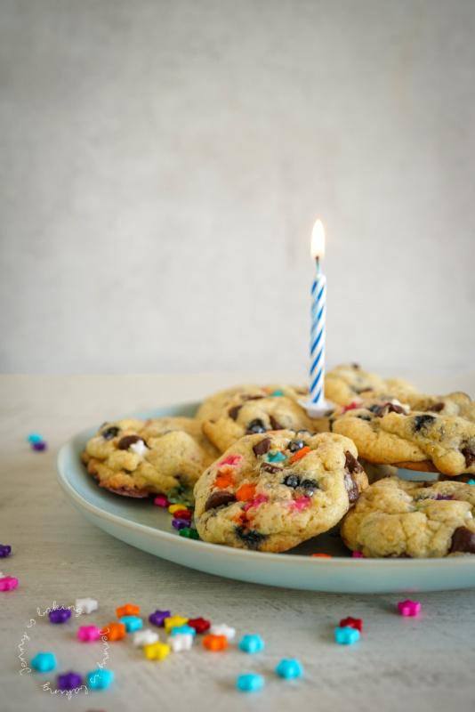 Geburtstags-Cookies mit Zuckerstreuseln