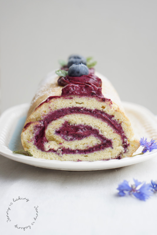 blueberry sponge roll