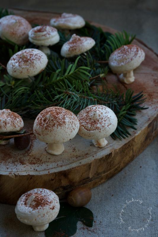 Pilze aus Baiser