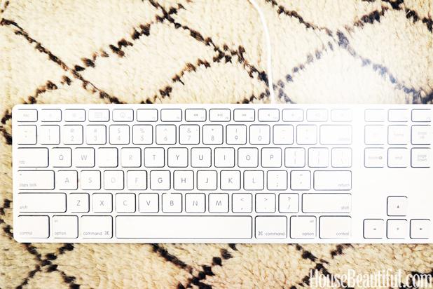 hbx-sarah-bray-house-beautiful-editor-keyboard with rug swatch