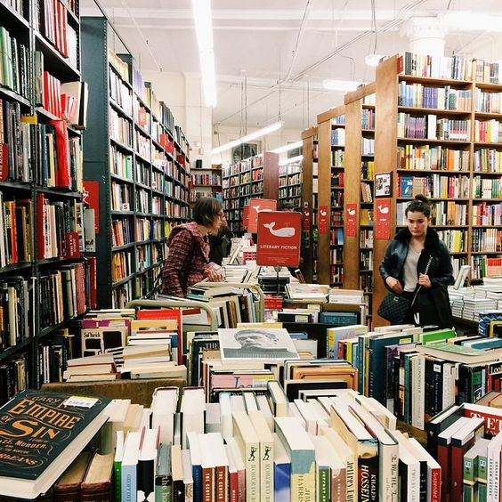stand bookstore