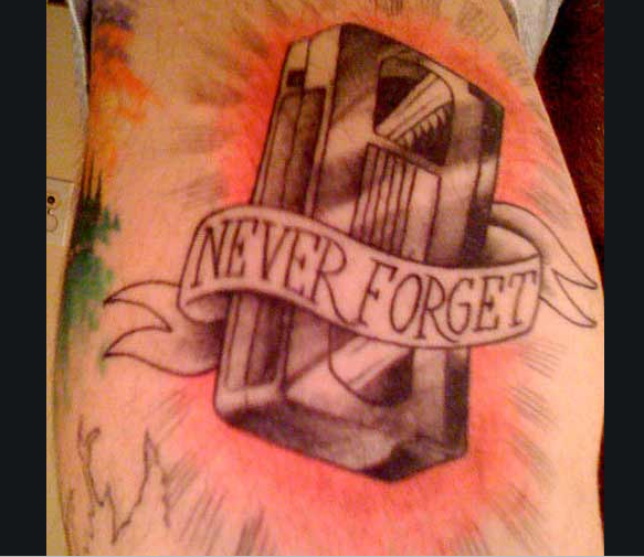 Never_forget_VHS_tattoo