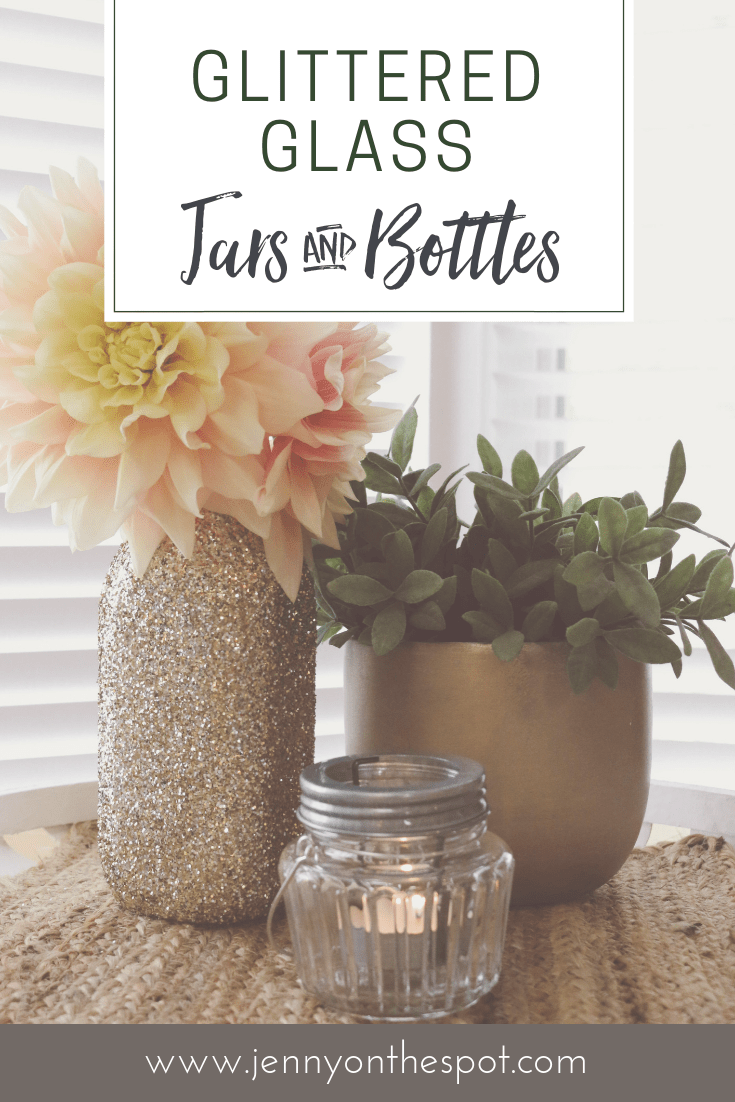 How to Glitter-fy Glass Bottles - wine bottles, milk bottles, mason jars... DIY by @jennyonthespot