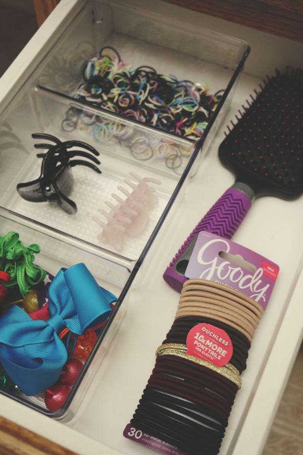 Goody hair ties via @jennyonthespot