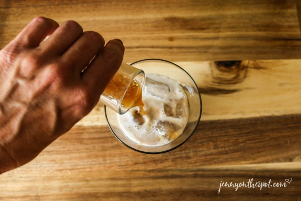 Pour the root beer over the cream and Kahlúa: A Black Cow #2 via @jennyonthespot