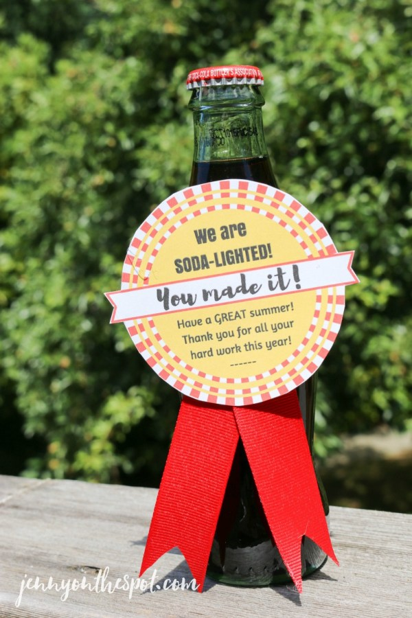 Teacher Appreciation Idea: Soda-lighted! (Free Printable!) via @jennyonthespot