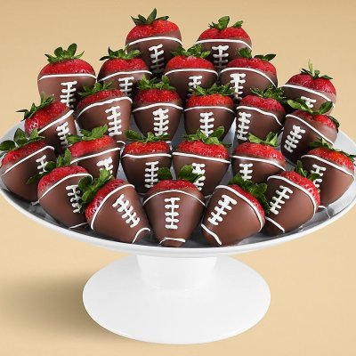 15 Super Bowl Party Recipes: Chocolate Dipped Starwberries