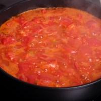 Баклажаны, запеченные в томатном соусе с моцареллой и фетой