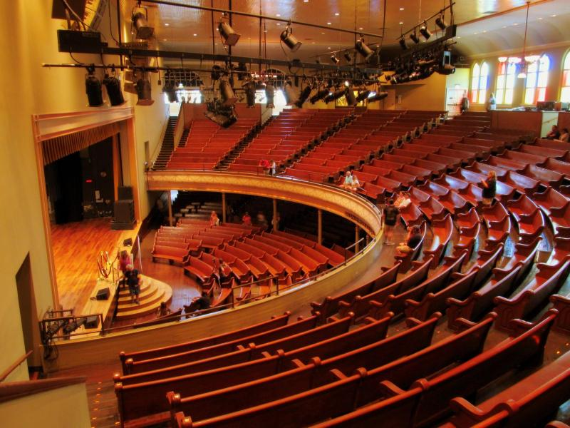 Grand ol' Opry empty theatre