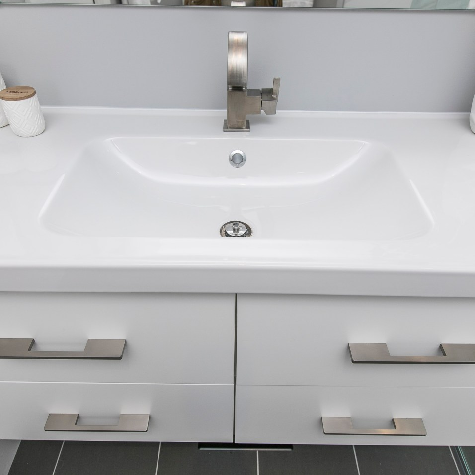 Sable Run Vanity top