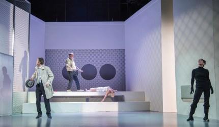 """Thomas Wenzel als """"Kriminalinspektor Richard Voß"""", Jürgen Kaczmarek als """"Polizist Blocher"""", Josephine Raschke als """"Oberschwester Monika Stettler"""" und Tanja Kübler als """"Doktor Mathilde von Zahnd"""""""