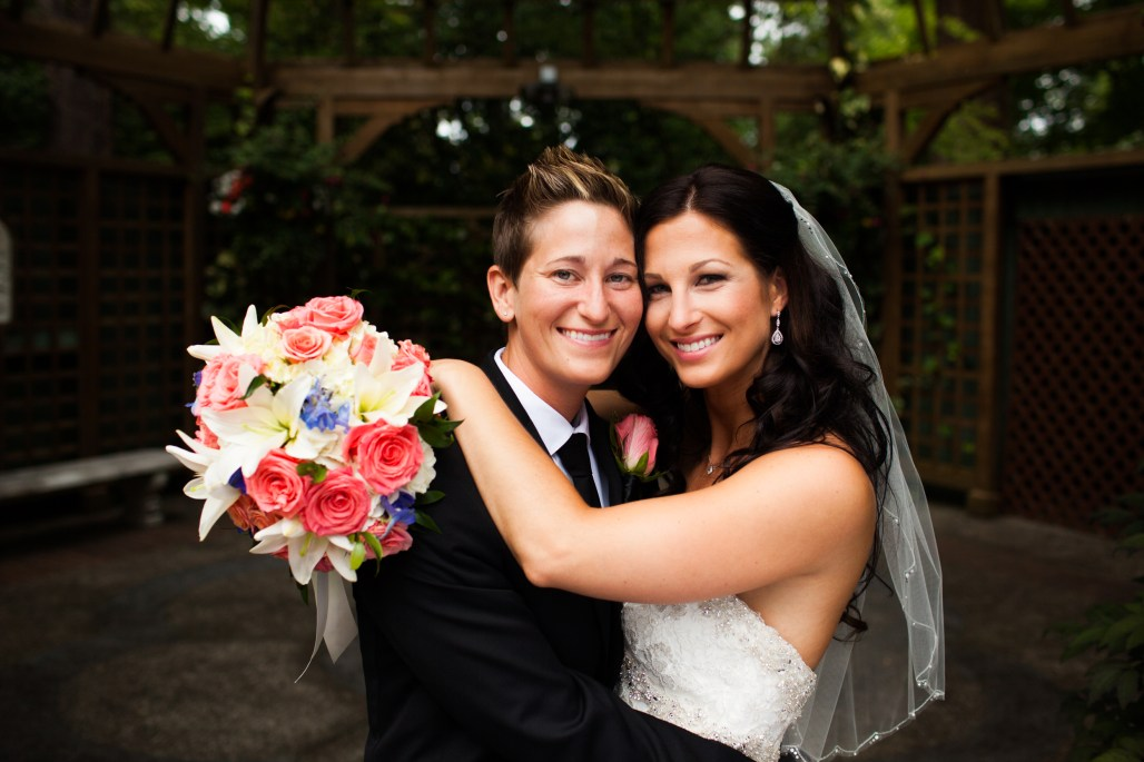 Lakewold Gardens Wedding by Jen's Blossoms || photo by Ciccarelli Photography