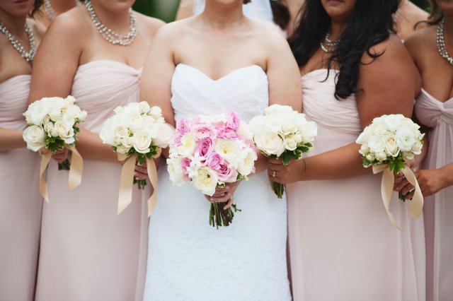 Bride & Bridesmaid Bouquets by Jen's Blossoms || photo by: http://nicoleschauer.pass.us/shineflew-flowers