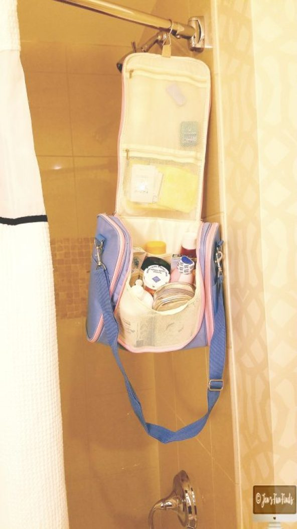 MelodySusie Toiletry bag hung