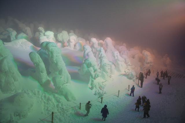 snow_monsters_fog