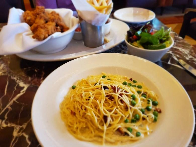 Carbonara Grand Lux Cafe