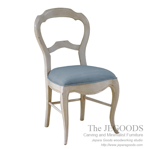 Devina Shabby Chair