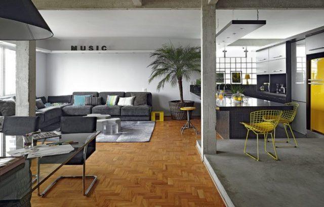 Projeto de apartamento do Studio DoisA, em São Paulo, também usa o piso de cimento queimado. Foto: Divulgação