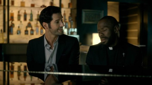 Lucifer-A-Priest-Walks-into-a-Bar-1x09-lucifer-fox-39417496-1916-1076