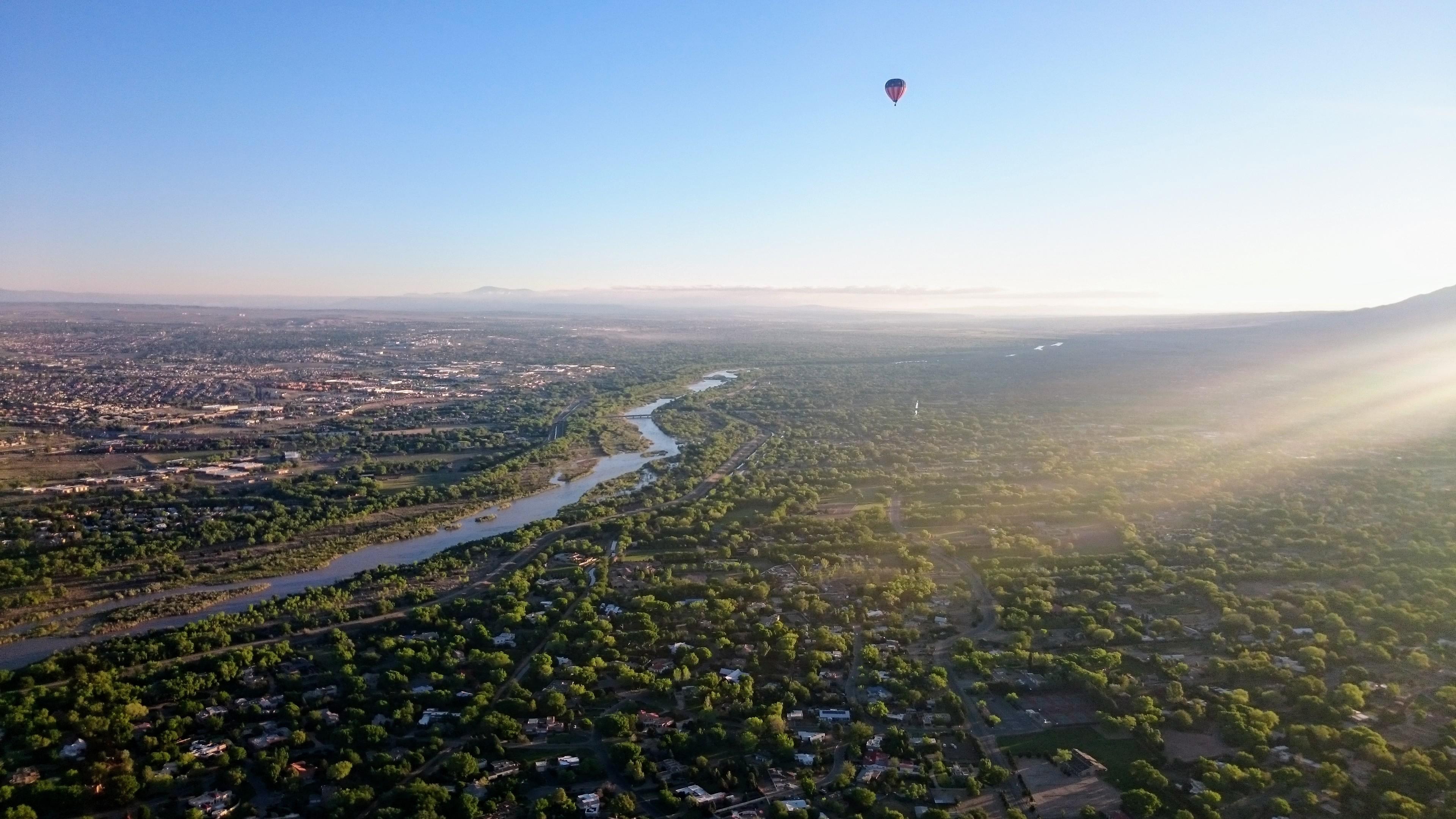 Rio Grande and another balloon