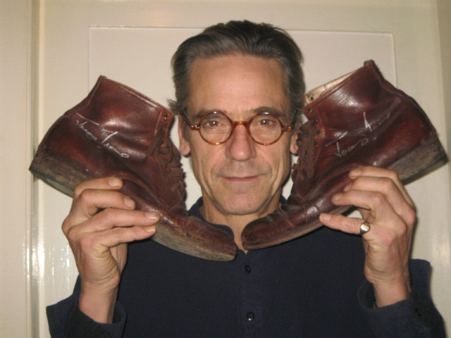 jeremy-irons-shoes1