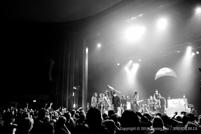 Charlie Winston and Michael Rault join Bedouin Soundclash for the encore at the Vogue Theatre.