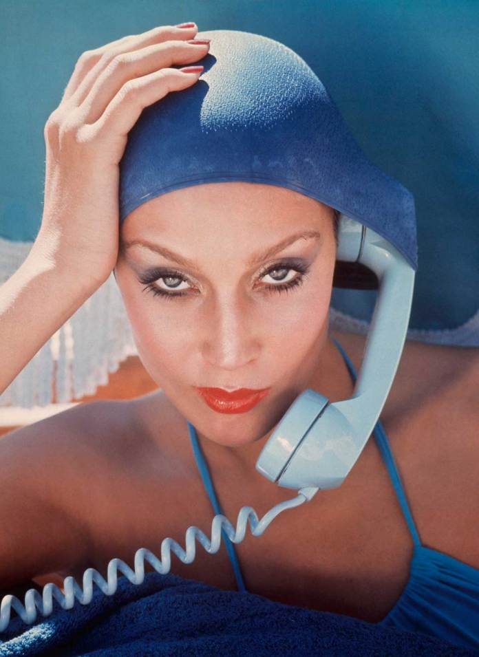 Jerry Hall_British Vogue_1975 © Norman Parkinson Ltd